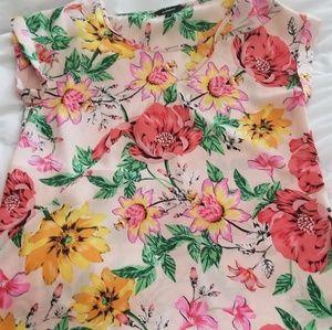 Womens express medium floral top